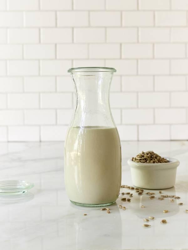 Слънчогледово мляко